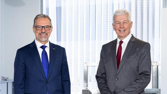 Josef Aschbacher (ESA, links) und Klaus Pseiner (FFG, rechts). Foto: FFG/ Astrid Knie