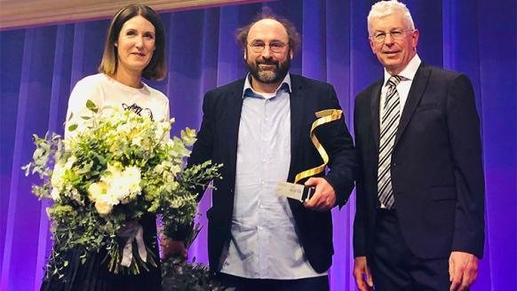 FFG-Geschäftsführer Henrietta Egerth und Klaus Pseiner, Simulationsforscher Niki Popper (TU Wien). Foto: FFG/Tuscher